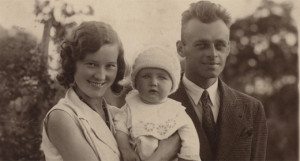 Witold Pilecki with wife Maria i son Andrzej, Ostrów Mazowiecka, 1933 r., via Poland's Institute of National Remembrance