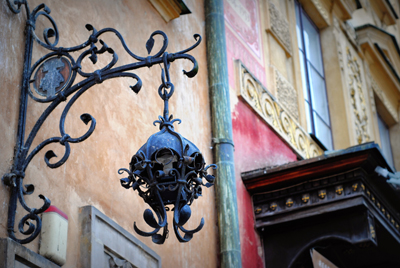 Intricate details in Warsaw's streets PHOTO: Lara Szypszak