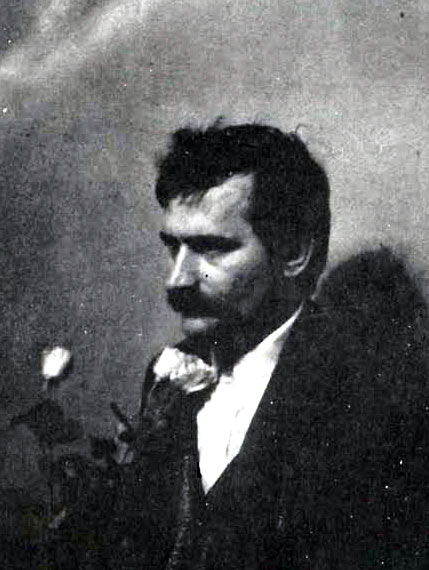 """This photo of Lech Wałęsa appeard in the August-September 1980 issue of """"Znak"""" (""""Mark"""")."""