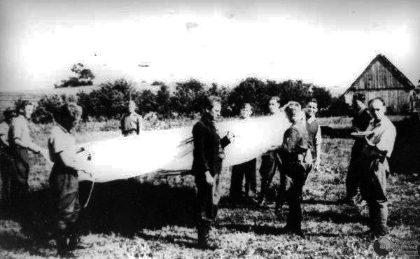 Cichociemni after delivery to Home Army Radom-Kielce inspectorate, Sept. 22, 1944