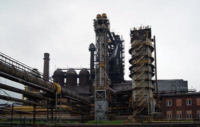 PHOTO of Nowa Huta steel mill blast furnace by Zygmunt Put