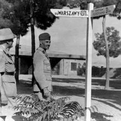 Generals Sikorski & Anders in Iran, 31 km to Tehran, 4371 to Warsaw